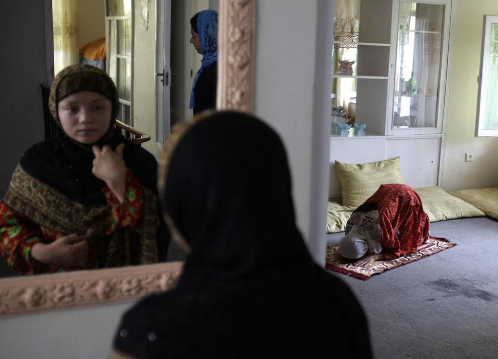 El temor de las mujeres en Afganistán - Mujer Analítica